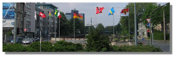 [Foto:flaggen-wm2006-ophoff-kreuzung.jpg]
