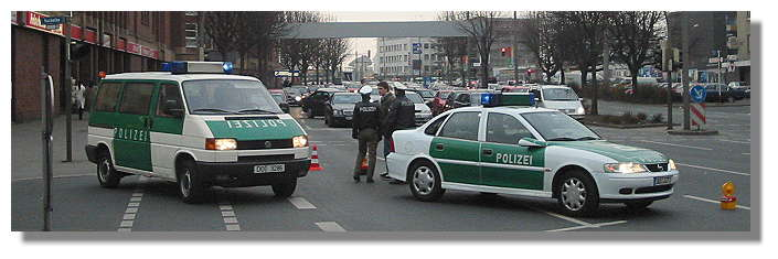 [Foto:golfkrieg-maerz-2003-demo.jpg]