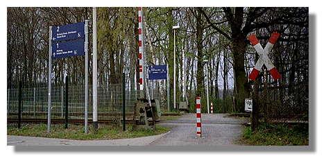 [Foto:bahnhof-feldhausen.jpg]