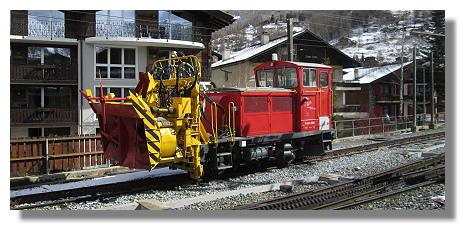 [Foto:zermatt-gornergratbahn-schneepflug.jpg]