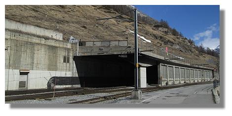 [Foto:zermatt-lawinengalerie.jpg]