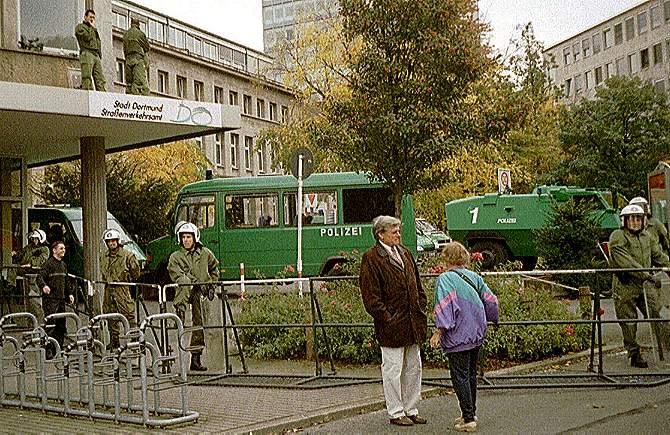[Foto:okt-2000-loewenstrasse.jpg]