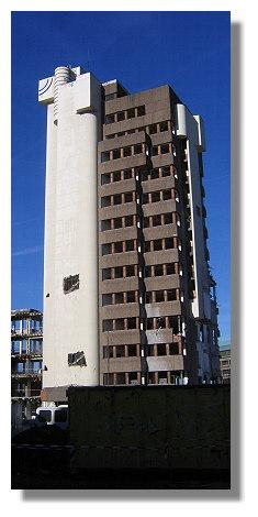 [Foto:abriss-volkswohlbund-hochhaus.jpg]