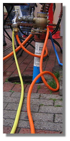 [Foto:erntemarkt-hoerde-2005-hydrant.jpg]
