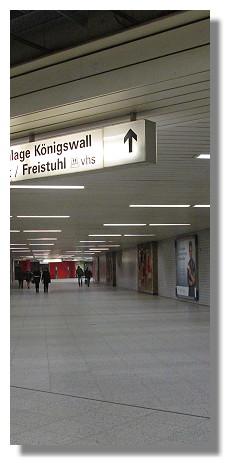 [Foto:fussgaengeranlage-koenigswall.jpg]