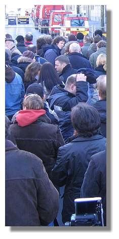 [Foto:sprengung-volkswohlbund-zuschauer.jpg]