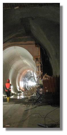 [Foto:tunnelbau-richtung-ostentor.jpg]