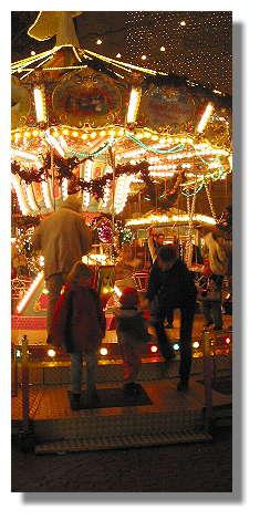 [Foto:weihnachtskarussell.jpg]