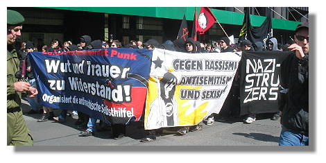 [Foto:demo-gegen-rechte-gewalt.jpg]