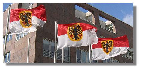 [Foto:dortmunder-flaggen-im-wind.jpg]