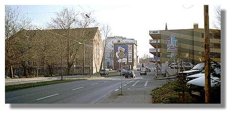[Foto:fassstrasse-richtung-parkhaus.jpg]