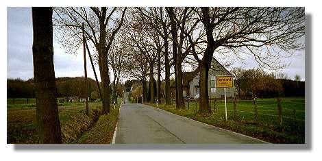 [Foto:kruckeler-strasse-grossholthausen.jpg]