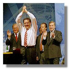 [Foto:westfalenhalle-2002-bundeskanzler.jpg]