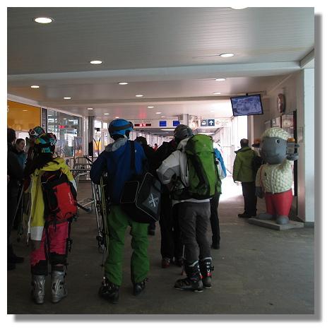 [Foto:zermatt-gornergratbahn-abfahrt.jpg]