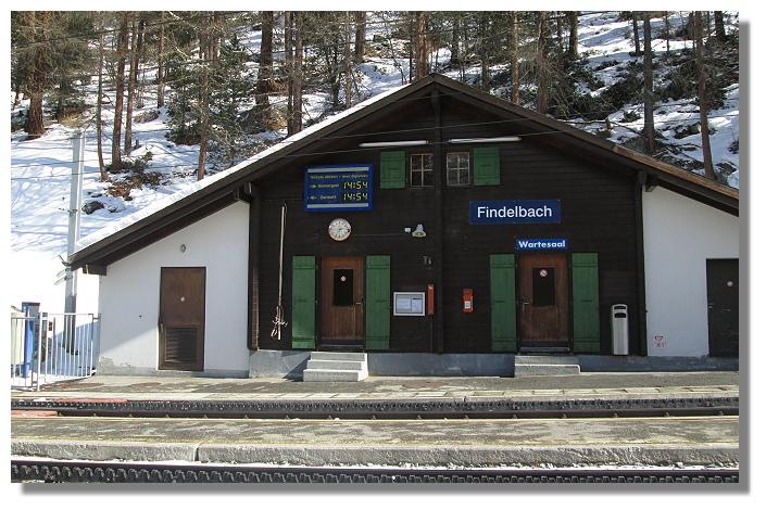 [Foto:findelbach-bahnhof-wartesaal.jpg]