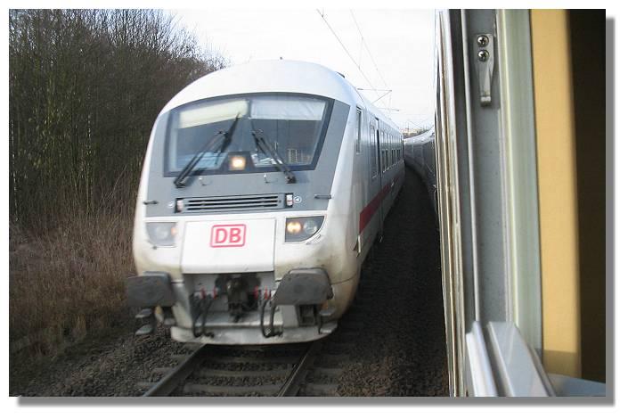 [Foto:zugbegegnung-intercity-steuerwagen.jpg]